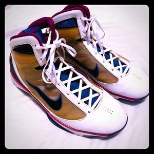 Nike Men's Hyperdunk Basketball Sneakers Sz 9.5
